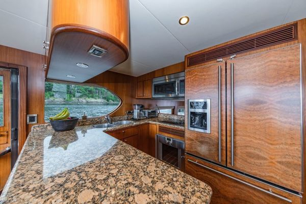 2012 Ocean Alexander 62' 62 Pilothouse COMIN' AROUND | Picture 7 of 39