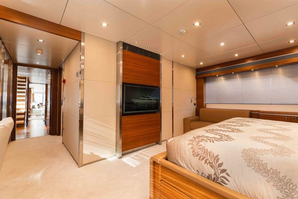 1986 Heesen 125' Tri-Deck Motor Yacht  SEA AXIS | Picture 7 of 50