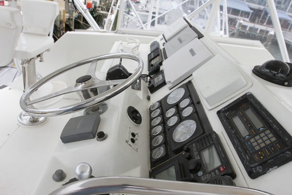 1993 Hatteras 50' 50 Convertible M.R. Ducks | Picture 4 of 100