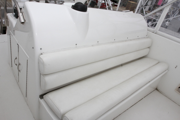 1993 Hatteras 50' 50 Convertible M.R. Ducks | Picture 3 of 100