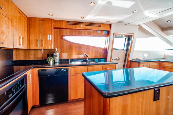 2008 Hatteras 80' 80 Motor Yacht Galati Yacht Sales Trade | Picture 4 of 67