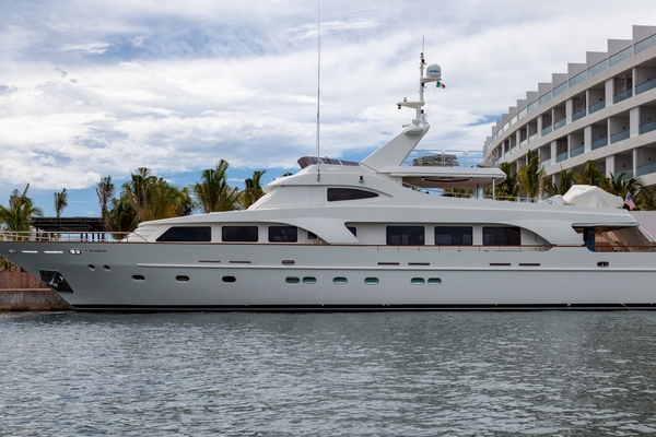 111-ft-Custom-2007-33 Meter-Sunrise Cancun  Mexico  yacht for sale