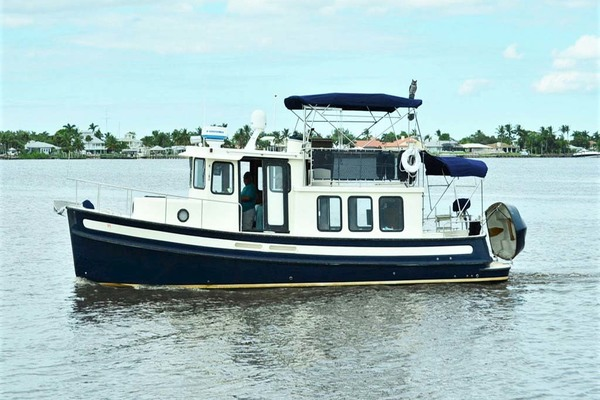 32-ft-Nordic Tugs-2002-32 Pilothouse-Details Stuart Florida United States  yacht for sale