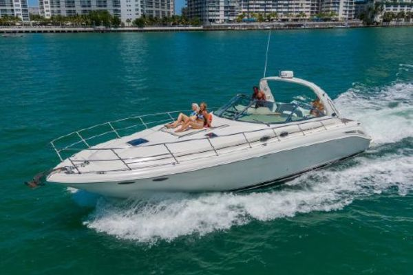 2001 Sea Ray 41' 410 Express Cruiser Yeah Buoy | Picture 2 of 21