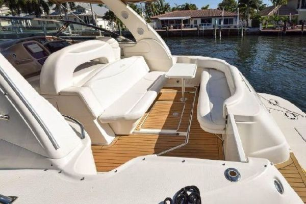 2001 Sea Ray 41' 410 Express Cruiser Yeah Buoy | Picture 7 of 21