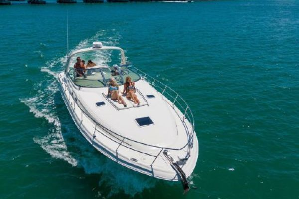 2001 Sea Ray 41' 410 Express Cruiser Yeah Buoy | Picture 3 of 21