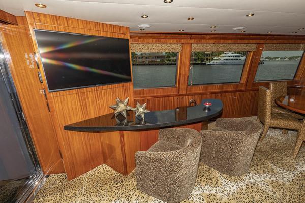 2009 Hatteras 72' Enclosed Bridge, 4 stateroom, CATS PANACEA   Picture 4 of 88