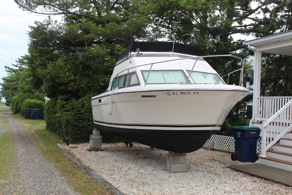 26-ft-Slickcraft-1979-Flybridge-Mr Max Brigantine New Jersey United States  yacht for sale