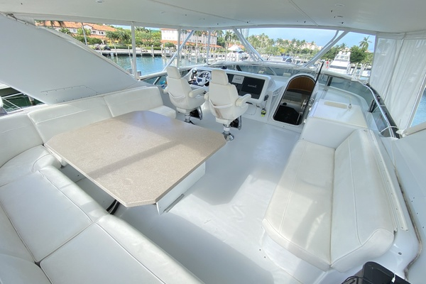 2001 Hatteras 63'  Sea Gatooo | Picture 6 of 27