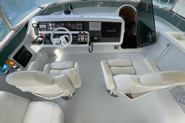 2001 Hatteras 63'  Sea Gatooo | Picture 8 of 27