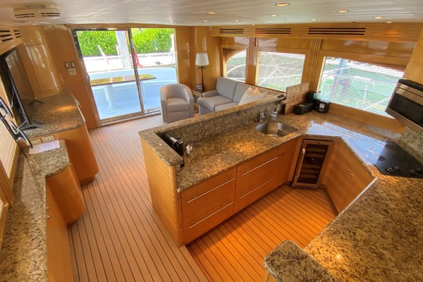 2001 Hatteras 63'  Sea Gatooo | Picture 4 of 27
