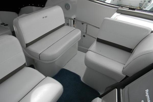 2008 42 Cruisers Express Yacht Jet VII  Salon