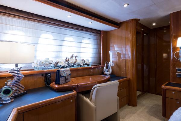 2004 Sunseeker 82' Yacht TOP GUN   Picture 8 of 56