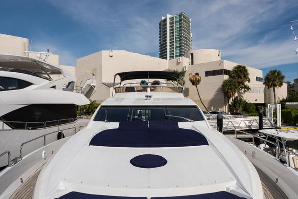 2004 Sunseeker 82' Yacht TOP GUN   Picture 3 of 56
