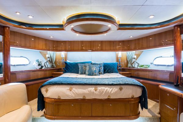 2004 Sunseeker 82' Yacht TOP GUN   Picture 1 of 56