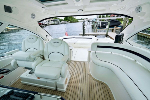 2010 Sea Ray 50' 50 Sundancer Seabatical | Picture 4 of 26