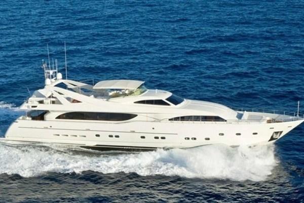 112' Ferretti Yachts 2004 2003 | Mambo