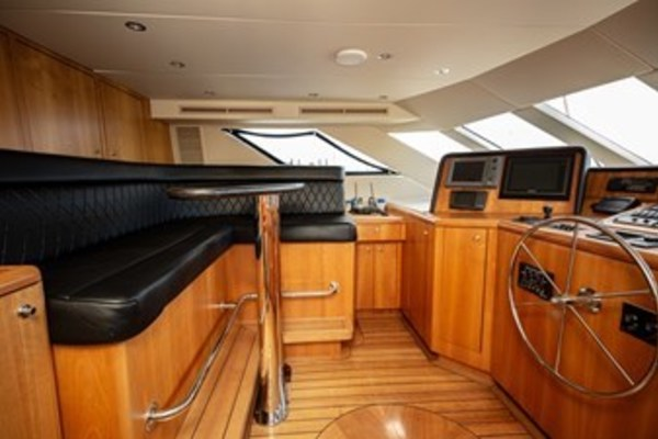 2003 Hatteras 100'  TAIMA | Picture 4 of 29