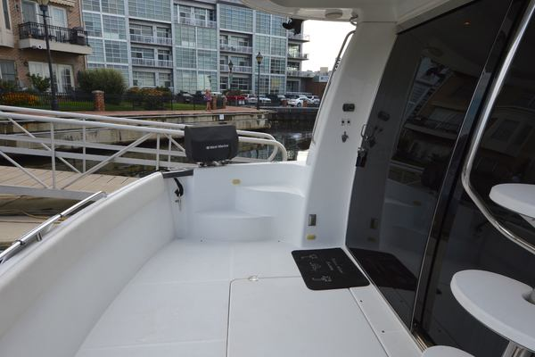 2000 Carver 53' 530 Voyager Sanctuary | Picture 1 of 81