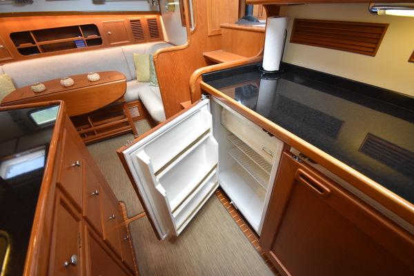2005 Grand Banks 49' 49 Eastbay SX Arietta | Picture 4 of 87