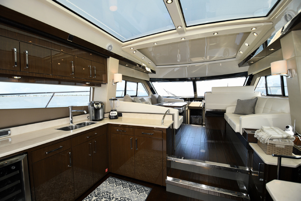2018 Carver 52' 52 Coupe Aquasition   Picture 8 of 44