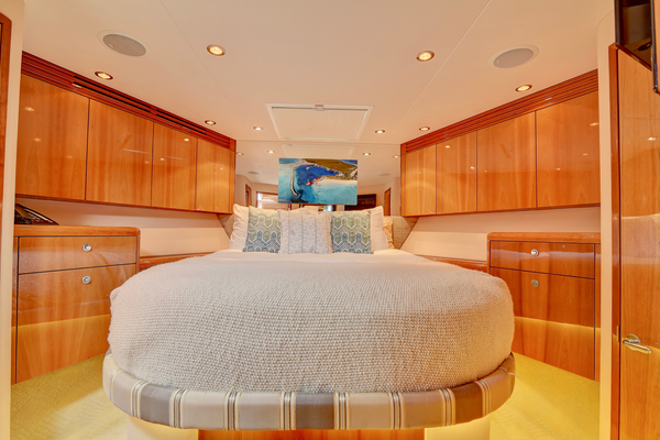 2008 Hatteras 68' 68 Norma Jean | Picture 3 of 53
