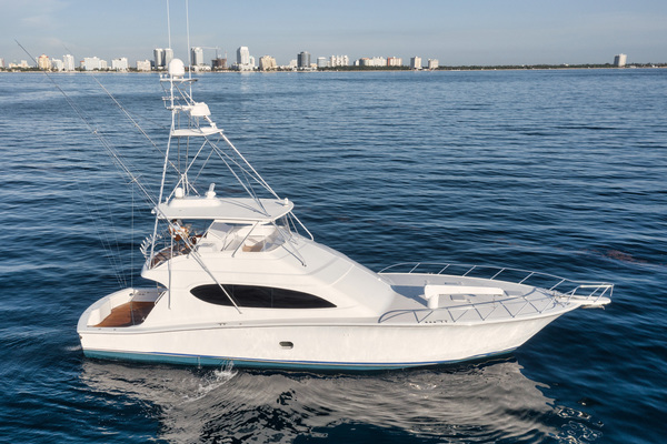 2008 Hatteras 68' 68 Norma Jean | Picture 2 of 53