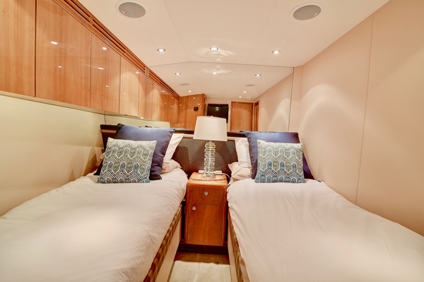 2008 Hatteras 68' 68 Norma Jean | Picture 1 of 53