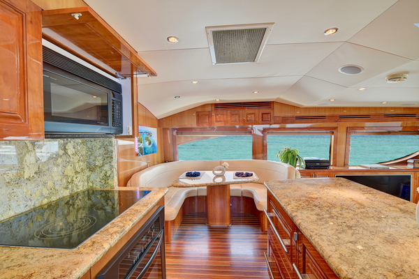 2008 Hatteras 68' 68 Norma Jean | Picture 8 of 53