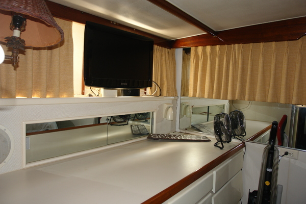 1975 Hatteras 58' 58 Yachtfish Hammerhead | Picture 3 of 40