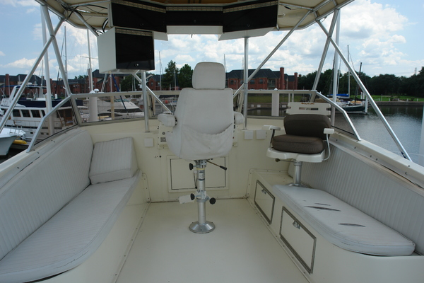 1975 Hatteras 58' 58 Yachtfish Hammerhead | Picture 2 of 40