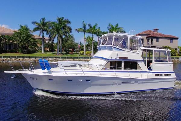 44' Viking 44 Motor Yacht 1987 | Happiness Is