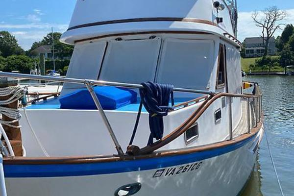 36' Marine Trader Trawler 1987 | Room With A View