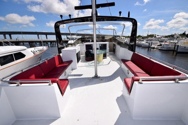 1989 Hatteras 78'   | Picture 7 of 15