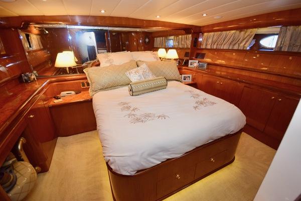 2003 Johnson 58' Pilothouse Motoryacht  | Picture 6 of 7