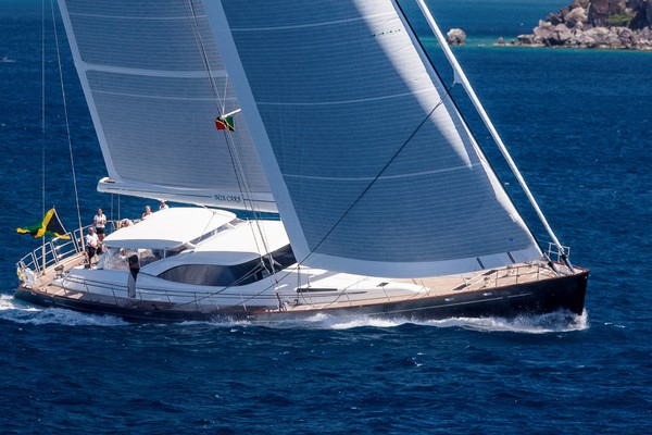 127' Fitzroy Yachts  2006 | Mia Cara