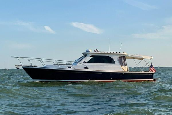 36' Hunt Yachts Harrier 36' 2010 |