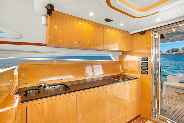 2007 Uniesse 53'  GRT2FLY   Picture 3 of 67