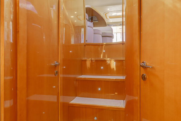 2007 Uniesse 53'  GRT2FLY   Picture 7 of 67