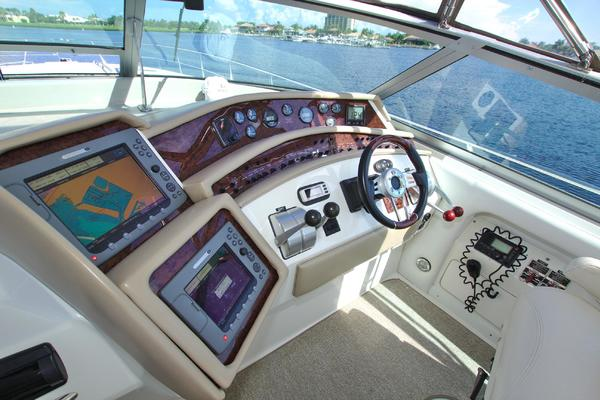 1995 Sea Ray 50' 500 Sundancer Captains Mistress   Picture 4 of 68