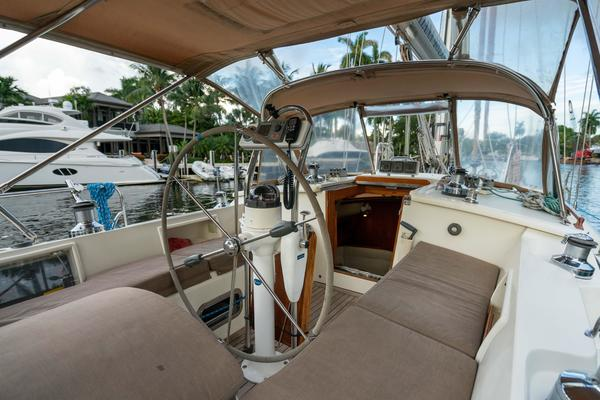 2005 Tayana 48' 48 DS Center Cockpit TEMERITY | Picture 3 of 60