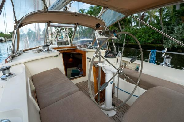 2005 Tayana 48' 48 DS Center Cockpit TEMERITY | Picture 2 of 60