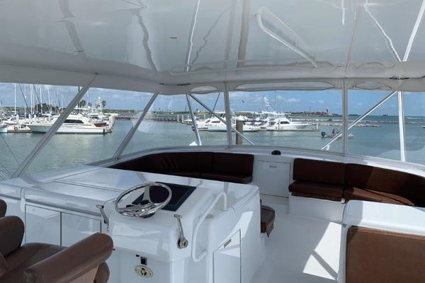 2006 Hatteras 68' 68 Convertible Doulos   Picture 2 of 24