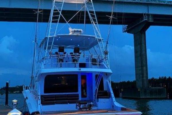 2006 Hatteras 68' 68 Convertible Doulos   Picture 7 of 24