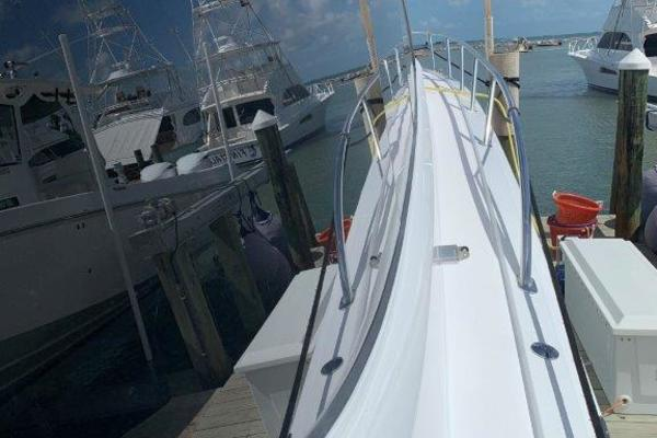2006 Hatteras 68' 68 Convertible Doulos   Picture 1 of 24
