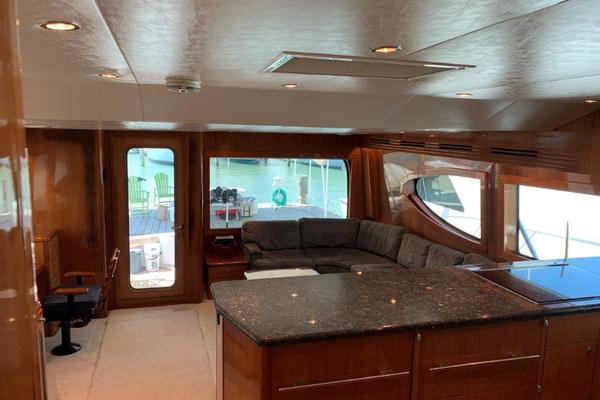 2006 Hatteras 68' 68 Convertible Doulos   Picture 3 of 24