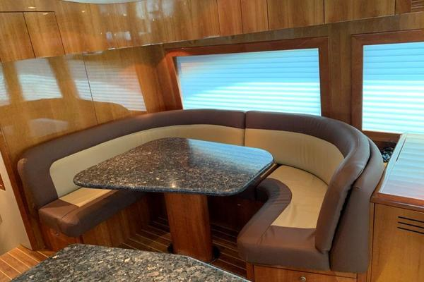 2006 Hatteras 68' 68 Convertible Doulos   Picture 6 of 24