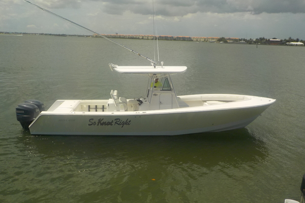 32' Regulator Fs Center Console 2004 | So Knot Right
