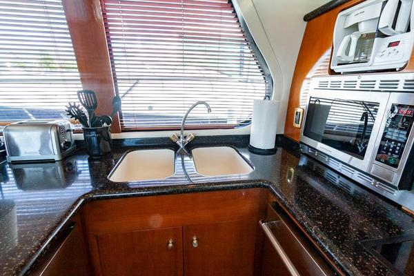 2001 Carver 57' Voyager IMPULSE III | Picture 1 of 88