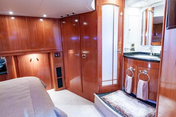 2001 Carver 57' Voyager IMPULSE III | Picture 2 of 88